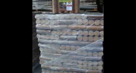 Bûches de bois compressées
